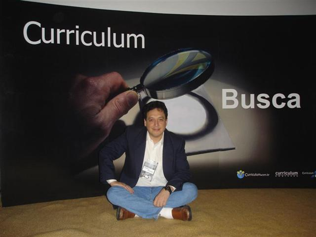 'Marcelo Abrileri no lancamento do Curriculum Busca'